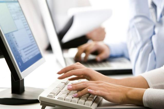typing-female20hands_jpg.jpg